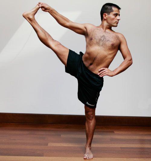 Oscar Montero  Profesor de yoga en León Gimnasio Victoria