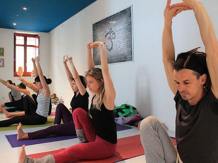 cursos de yoga vinyasa krama en España